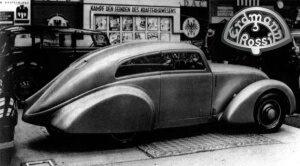 Erdmann & Rossi Stromlinienwagen, Automobilausstellung 1933, Kühlerstandarte